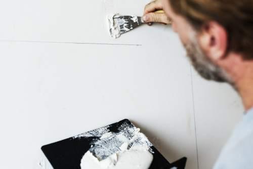 Plaquiste professionnel pour aménagement et isolation intérieure